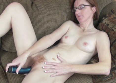 Mature slut Layla Redd plays with a toy