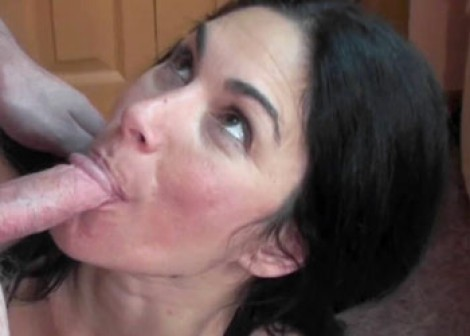 Mature slut Cleo gives Logan a blowjob